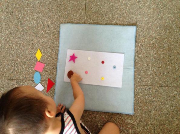 Color sorting - Vải dạ và cúc kết hợp học hình dạng